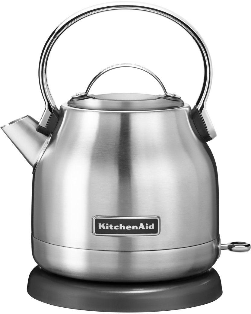 KitchenAid 5KEK1222ESX, Silver чайник электрический5KEK1222ESXЭлектрический чайник KitchenAid 5KEK1222ESX объемом 1,25 л. - это стильная вещь, необходимая для идеальной чайной церемонии. Новый чайник удачно сочетает в себе ностальгическое очарование наплитных чайников, яркие фирменные расцветки и дает возможность насладиться всеми преимуществами электрического нагрева. - Быстро кипятит воду благодаря эффективному нагревательному элементу - Автоматически отключается и имеет защиту от включения без воды - На внутренней стенке чайника нанесена мерная шкала. - Широкое отверстие для наполнения водой. - Носик, предотвращающий стекание капель и брызги. - Съемный фильтр от накипи, для идеально чистой воды. - Удобная алюминиевая ручка с гладкой поверхностью и алюминиевая крышечка. - Оригинальная кнопка включения/выключения с диодной подсветкой делает управление чайником невероятно простым и комфортным. - Прочный корпус из нержавеющей стали порыт стекловидной эмалью, стойкой к сколам и царапинам. ...