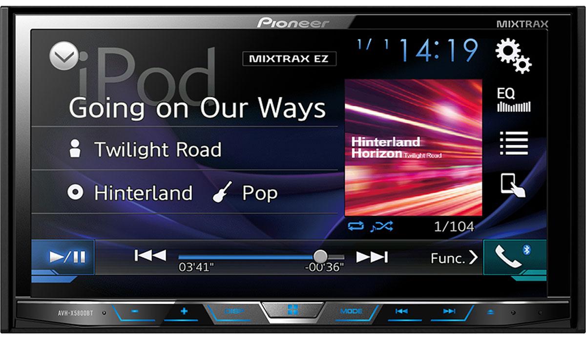 Pioneer AVH-X5800BT мультимедийная станция1024283Получайте удовольствие от воспроизведения любимых фильмов и музыки на большом 7 сенсорном экране, к которому можно удобно и безопасно подключить совместимый iPhone или Android-телефон, с помощью одного USB- кабеля, и управлять совместимыми приложениями с экрана головного устройства автомобиля. AVH-X5800BT воспроизводит аудио/видео контент как с вашего смартфона, так и с CD, DVD и USB устройств. Также эта мультимедийная система позволяет одновременно подключить два устройства по Bluetooth для осуществления звонков hands-free и передачи музыки. Благодаря фирменной технологии восстановления звука Sound Retriever для Bluetooth, вы сможете прослушивать вашу любимую музыку в великолепном качестве. В модели предусмотрены многочисленные улучшайзеры звука , такие как 13-полосный графический эквалайзер, автоматический эквалайзер и автоматическая синхронизация звука (Time Alignment), которые дают возможность настроить звук так, как вам нравится. А фирменная...