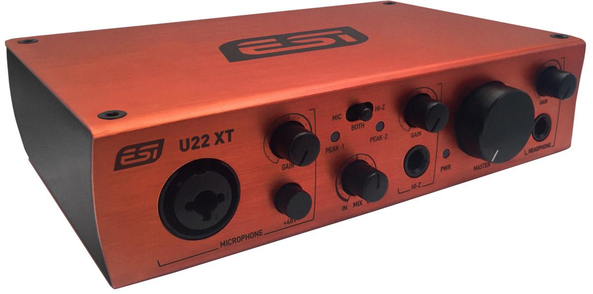 ESI U22 XT, Red аудиоинтерфейсU22 XTESI U22 XT — USB-интерфейс, совместимый с Mac и PC. Модель выполнена в прочном корпусе, имеет два входных и два выходных аналоговых канала и может работать в режиме до 24 бит/96 кГц. Интерфейс имеет два аналоговых входа и два аналоговых выхода с RCA подключением, микрофонный предусилитель с XLR входом и поддержкой +48V фантомного питания, Hi-Z инструментальный вход для гитар, высококачественный выход для наушников и TRS линейные выходы. Общая громкость и громкость наушников управляется регулятором, расположенным на передней панели. Со стороны программного обеспечения U22 XT обеспечивает очень низкую задержку с драйверами, поддерживающими WDM, ASIO 2.0 и CoreAudio, основанными на технологии EWDM и DirectWIRE. В комплект поставки входит программное обеспечение Bitwig 8-Track – эффективная цифровая рабочая станция для производства музыки подобно профессионалу. С этой программой вы моментально сможете начать работать прямо с интерфейса без...