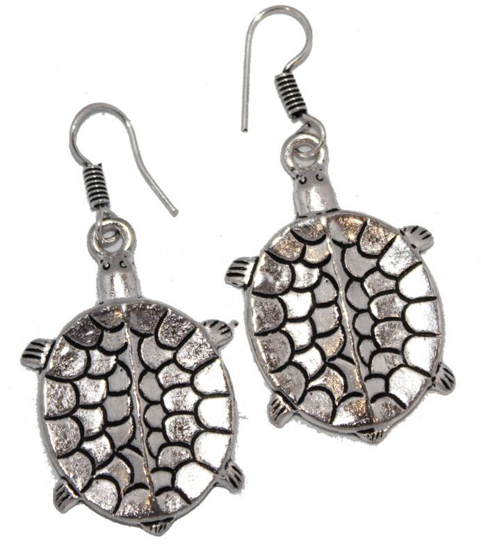 Серьги Ethnica Черепашки, цвет: серебряный. 322045_5322045-серебряный-5Серьги Ethnica Черепашки выполнены из металла в форме черепашек. Изделие оснащено удобным замком-петлей.