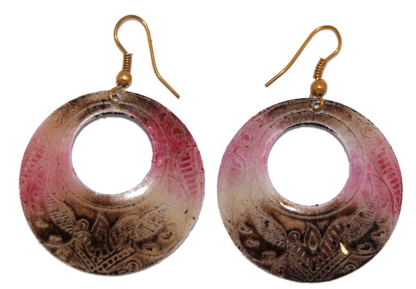 Серьги Ethnica, цвет: мультиколор. 323055_2323055-мультиколор-2Серьги Ethnica декорированы эмалью. Изделие оснащено удобным замком- петлей.