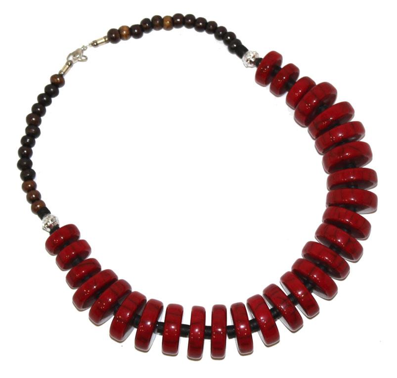 Бусы Ethnica, цвет: красный. 350150350150-красныйРоскошные бусы от Ethnica выполнены в виде колец разного диаметра. Изделие застегивается на замок-карабин.