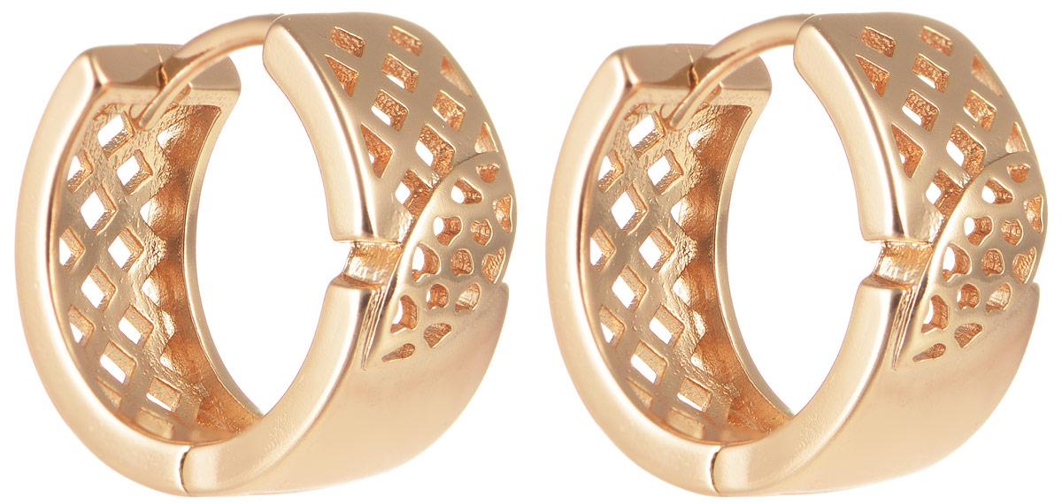 Серьги Taya, цвет: золотистый. T-B-11647T-B-11647-EARR-GOLDОригинальные серьги Taya выполнены из бижутерного сплава. Изделие оснащено практичным замком-конго. Серьги Taya блестяще подчеркнут ваш стиль и помогут внести разнообразие в привычный образ.