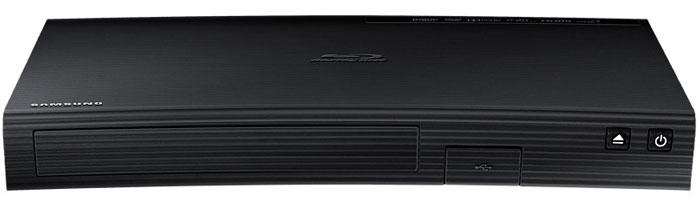 Samsung BD-J5500/RU Blu-ray плеер 3DBD-J5500/RUДизайн 3D Smart Blu-ray BD-J5500 от Samsung – лаконичный, строгий, с титановой отделкой и тканевой текстурой, делает плеер гармоничным дополнением к телевизорам Smart с изогнутым экраном. Проигрыватель идет в ногу со временем и транслирует видео в формате высокой четкости Ultra HD. Каждая картинка проработана до мельчайших деталей. Плеер самостоятельно увеличивает разрешение Full HD в 4 раза и полностью погружает в происходящее на экране. Плеер поддерживает технологию 3D. Яркая и контрастная картинка даже во время динамических сцен, глубина изображения и максимальная реалистичность на время погружают зрителей в фантастический мир развлечений. Проигрыватель открывает полный доступ к развлекательному контенту на ресурсе Smart Hub. Социальные сети, мессенджеры и другие приложения доступны через Blu-ray плеер. Магазин Opera TV Store App открывает доступ более чем к 250 приложениям. Скачивание нужного контента происходит за считаные секунды....