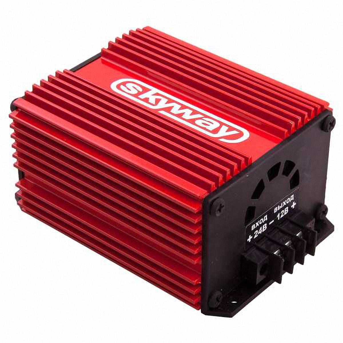 Преобразователь напряжения Skyway, 24/12V 15АS05501002Преобразователь напряжения 24/12V импульсный стабилизатор напряжения. Адаптер предназначен для преобразования нестабилизированного постоянного напряжения (22…30В) в постоянное стабилизированное напряжение 12В. Имеет встроенную защиту от короткого замыкания в нагрузке и перегрева. Адаптер может быть использован при работе с любыми видами нагрузок. Входное напряжение: 22…30В Выходное напряжение: 13,6±0,5В Макс. выходной ток: 15 А Макс. выходная мощность: 180 Ватт Коэффициент полезного действия:93% Напряжение пульсаций на выходе: 0,2 В Рабочая температура: -40…+70 °С