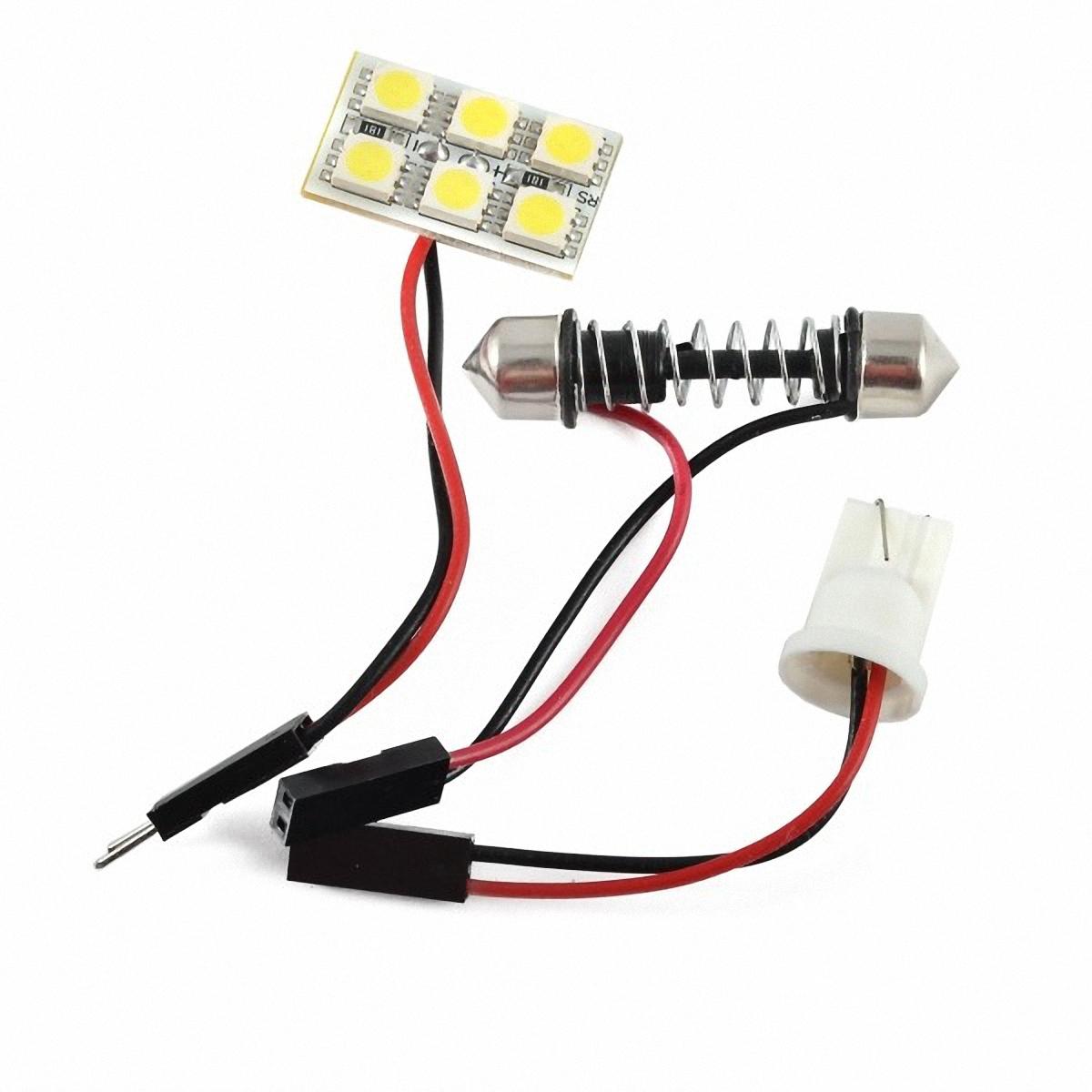 Skyway Панель светодиодная 6 SMD диодов Белая. SCX-0650SCX-0650Светодиодные панели имеют значительно больший срок службы, потребляют намного меньше электроэнергии и выдают свет значительно мягче и ровнее, чем те же люминесцентные лампы, не говоря уже о лампах накаливания. Они очень удобны, легко вставляются и достаточно практичны.