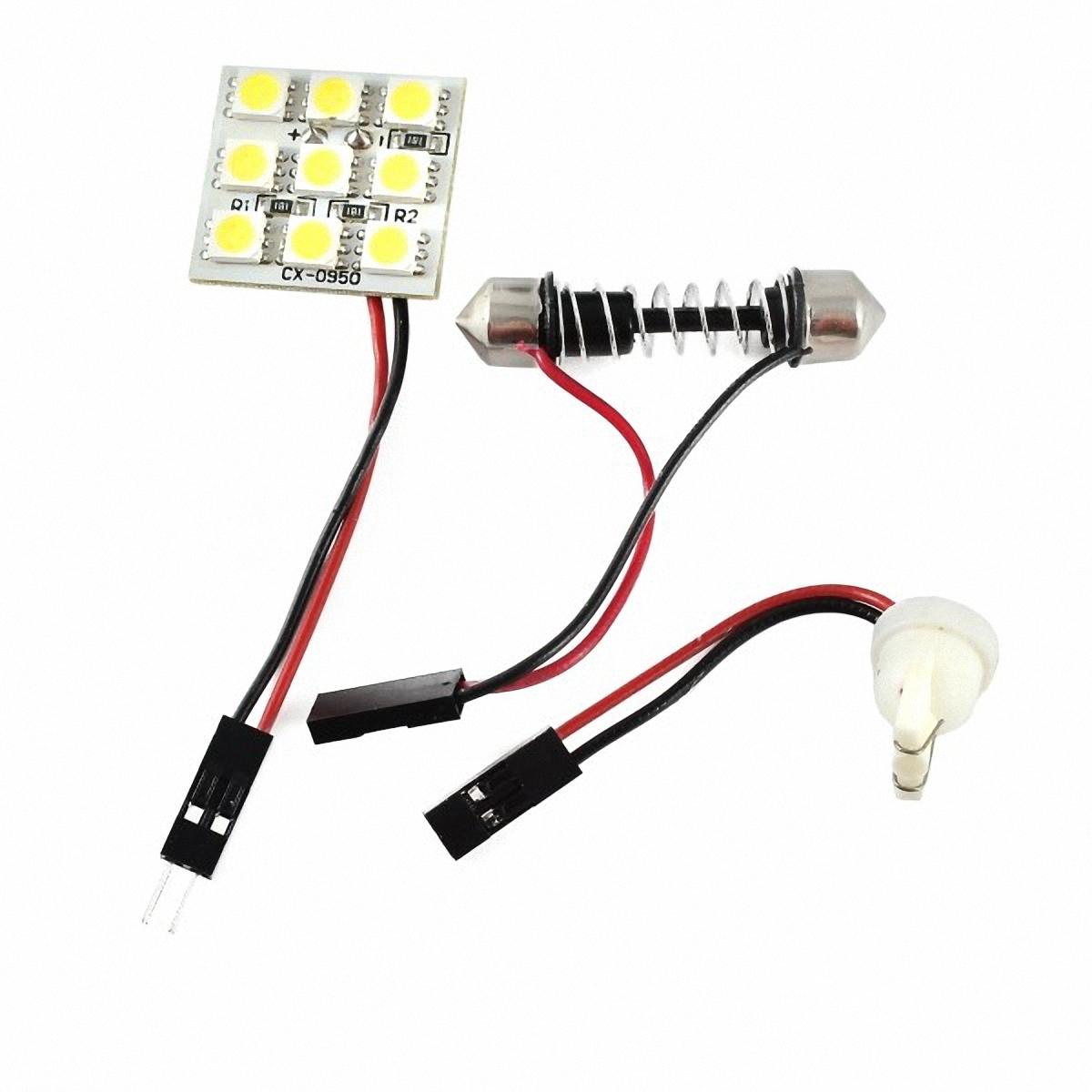 Skyway Панель светодиодная 9 SMD диодов Белая. SCX-0950SCX-0950Светодиодные панели имеют значительно больший срок службы, потребляют намного меньше электроэнергии и выдают свет значительно мягче и ровнее, чем те же люминесцентные лампы, не говоря уже о лампах накаливания. Они очень удобны, легко вставляются и достаточно практичны.