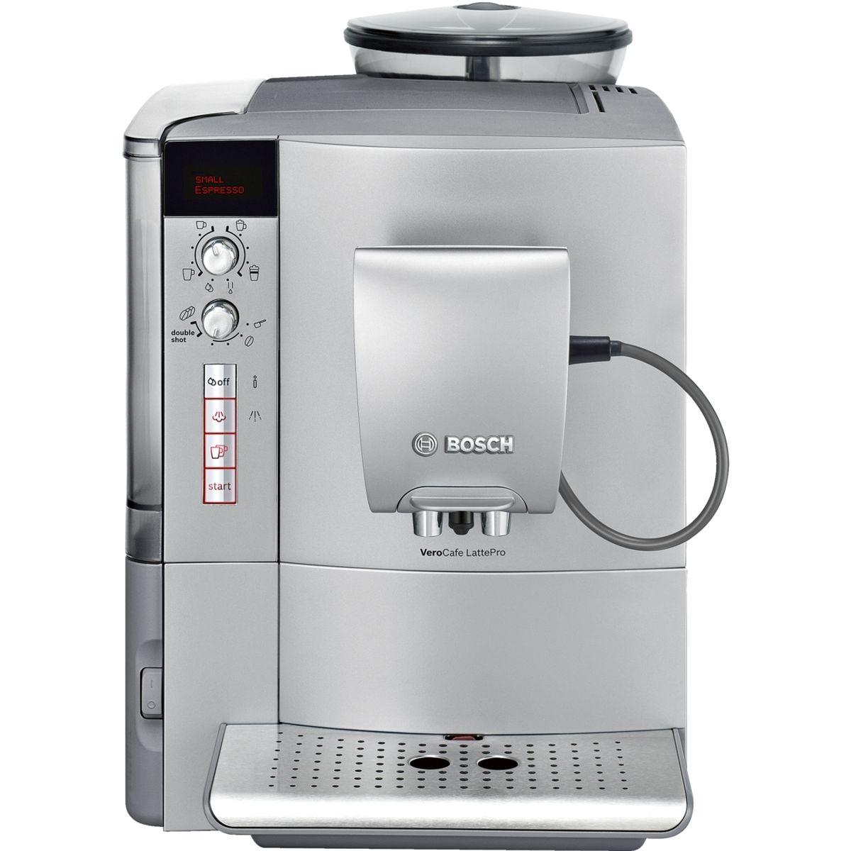 Bosch TES51521RW, Silver кофемашинаTES51521RWBosch TES51521RW - это полностью автоматическая кофемашина. С помощью верхнего поворотного переключателя устанавливается тип напитка, например, эспрессо. Затем с помощью нижнего переключателя устанавливается его крепость. Чтобы наслаждение кофейными напитками длилось как можно дольше, Bosch предлагает специальную функции очистки кофемашины от накипи и масел. Просто активируйте функцию CalcnClean, используя специальные средства по уходу и чистке кофемашин.