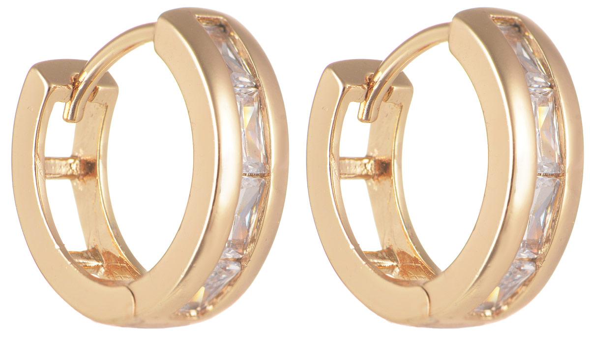 Серьги Taya, цвет: золотистый. T-B-11703T-B-11703-EARR-GOLDМодные позолоченные серьги Taya изготовлены из бижутерного сплава и оформлены цирконами. Застегивается изделие с помощью замка-конго. Оригинальные серьги внесут изюминку, как в повседневный, так и в выходной образ и позволят выделиться среди окружающих.