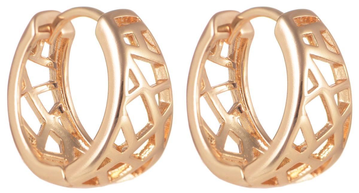 Серьги Taya, цвет: золотистый. T-B-11675T-B-11675-EARR-GOLDМодные позолоченные серьги Taya изготовлены из бижутерного сплава и застегиваются с помощью замка-конго. Оригинальные серьги внесут изюминку, как в повседневный, так и в выходной образ и позволят выделиться среди окружающих.