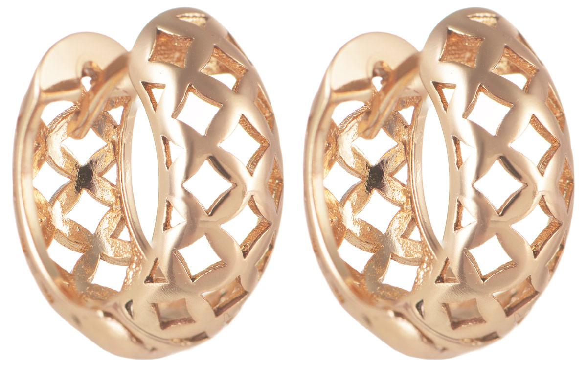 Серьги Taya, цвет: золотистый. T-B-11635T-B-11635-EARR-GOLDЭлегантные серьги от Taya изготовлены из качественного бижутерного сплава и оформлены декоративной перфорацией. Французский замок надежно зафиксирует изделие. Такие изящные серьги идеально дополнят ваш образ и подчеркнет ваш изысканный вкус.