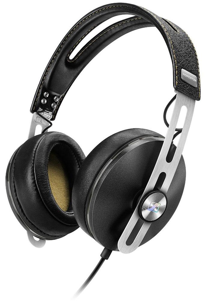 Sennheiser Momentum 2.0 Around-Ear (S), Black наушники506266Наушники второго поколения Sennheiser Momentum 2.0 Around-Ear отличаются повышенным комфортом, складной конструкцией и односторонним сменным кабелем с пультом управления и микрофоном. Sennheiser Momentum 2.0 оснащены новыми 18-омными преобразователями Sennheiser, которые гарантируют полное, детальное звучание и широкую звуковую картину. В наушниках используются амбушюры новой, ассиметричной конструкции из роскошной мягкой кожи для лучшего комфорта и снижения влияния окружающего шума.