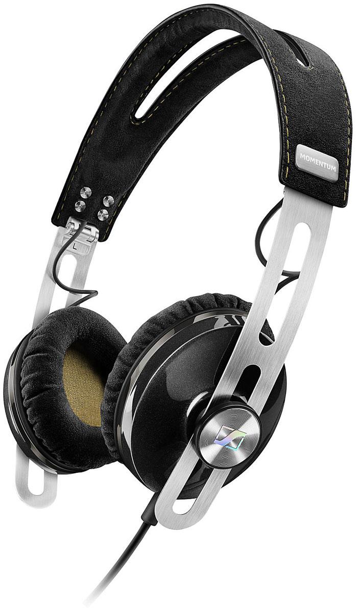Sennheiser Momentum 2.0 On-Ear (S), Black наушники506267Наушники второго поколения Sennheiser Momentum 2.0 On-Ear отличаются повышенным комфортом, складной конструкцией и односторонним сменным кабелем с пультом управления и микрофоном. Sennheiser Momentum 2.0 оснащены новыми 18-омными преобразователями Sennheiser, которые гарантируют полное, детальное звучание и широкую звуковую картину. В наушниках используются амбушюры новой, ассиметричной конструкции из мягкого воздухопроницаемого материала алькантара (Alcantara) для лучшего комфорта и снижения влияния окружающего шума.