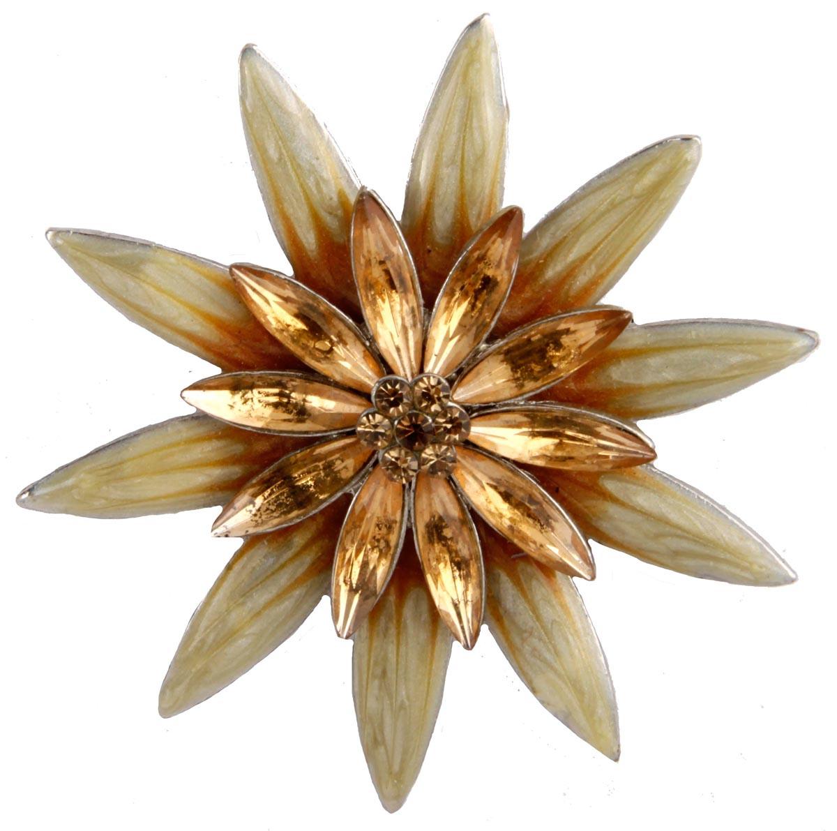 Брошь Цветок. Бижутерный сплав, австрийские кристаллы, полихромные эмали. Конец XX векаОС28010Брошь Цветок. Бижутерный сплав, австрийские кристаллы, полихромные эмали. Конец ХХ века. Размер 6 х 6 см. Сохранность хорошая. Предмет не был в использовании. Брошь выполнена из бижутерного сплава цвета желтого золота. Брошь украшена австрийскими кристаллами, которые переливаются под лучами солнца. Красивое украшение для прекрасных леди