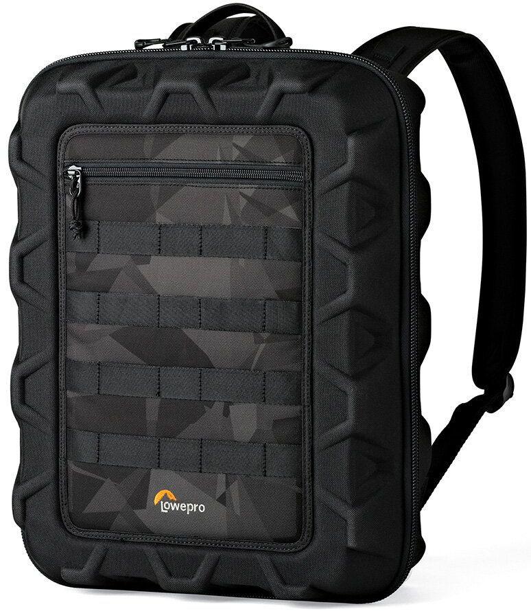 Lowepro DroneGuard CS 300, Black Noir сумка для дронаLP36917-PRUРюкзак DroneGuard CS 300- это не имеющее аналогов готовое решение для переноски нового вида техники, квадрокоптеров. При разработке серии Lowepro DroneGuard дизайнеры Lowepro использовали огромный опыт в создании надежных, функционально продуманных решений для переноски фото-, видеотехники и гаджетов, а также подробно изучили ожидания владельцев квадрокоптеров и особенности их работы с этой техникой. В результате новая серия оптимально учитывает все нюансы переноски, защиты, транспортировки и хранения квадрокоптеров и аксессуаров к ним. Новые рюкзаки получили высокую оценку профессиональных пилотов-владельцев данной техники. Рюкзак DroneGuard CS 300 имеет высокотехнологичный модульный дизайн, с использованием передвижных уплотненных перегородок, что обеспечивает универсальность модели, размер которых соответствует большинству квадрокоптеров, представленных на рынке в сегменте моделей среднего размера. DroneGuard CS 300 рассчитан на модели, подобные Parrot...