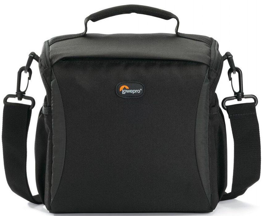 Lowepro Format 160, Black сумка для фотокамерыLP36512-0RUЛегкие современные плечевые сумки серии Format отлично подойдут для фотографов, которым нужна стильная, компактная и надежная защита своего оборудования. Регулируемая система мягких перегородок поможет использовать пространство сумки по своему усмотрению, а прочный материал, стойкий к любым атмосферным условиям, обеспечит долгий срок службы сумки и надежную защиту камеры.