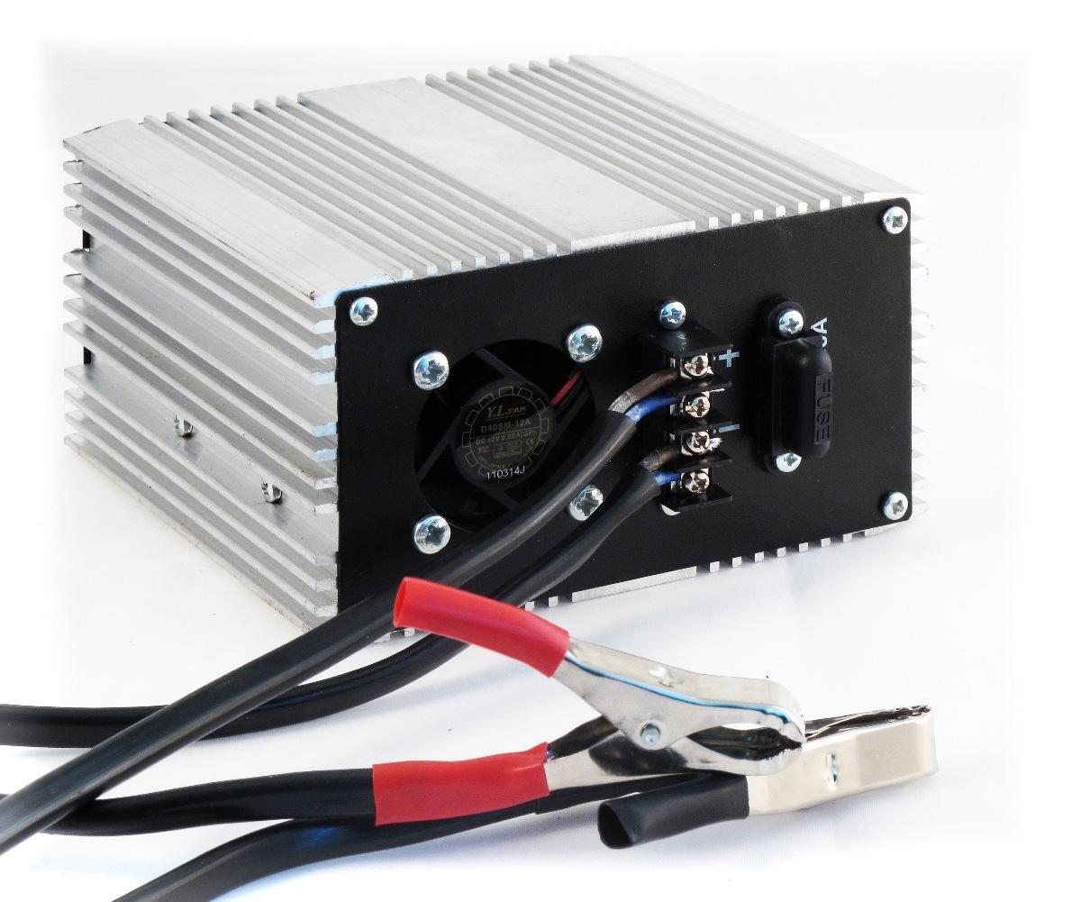 Преобразователь напряжения Орион ПН-70, USB, 12-220В, 900 Вт5023НАЗНАЧЕНИЕ Импульсный преобразователь напряжения служит для преобразования напряжения 12 В в эффективное напряжение 220В, модифицированный синус. ТЕХНИЧЕСКИЕ ХАРАКТЕРИСТИКИ -Максимальная мощность 900 Вт. -Подключается к клеммам АБ с помощью крокодилов -Возможно подключение ручного электроинструмента. -Предназначен как для временного подключения к аккумулятору, так и для постоянной установки в автомобиле. -Оборудованы защитой от короткого замыкания. -Позволяют питать как маломощную бытовую аппаратуру (телевизоры, магнитолы, ноутбуки и т. д.), так и мощную. -Имеют отдельный независимый выход питания USB для работы и зарядки аккумуляторов навигатора, телефона, смартфона.