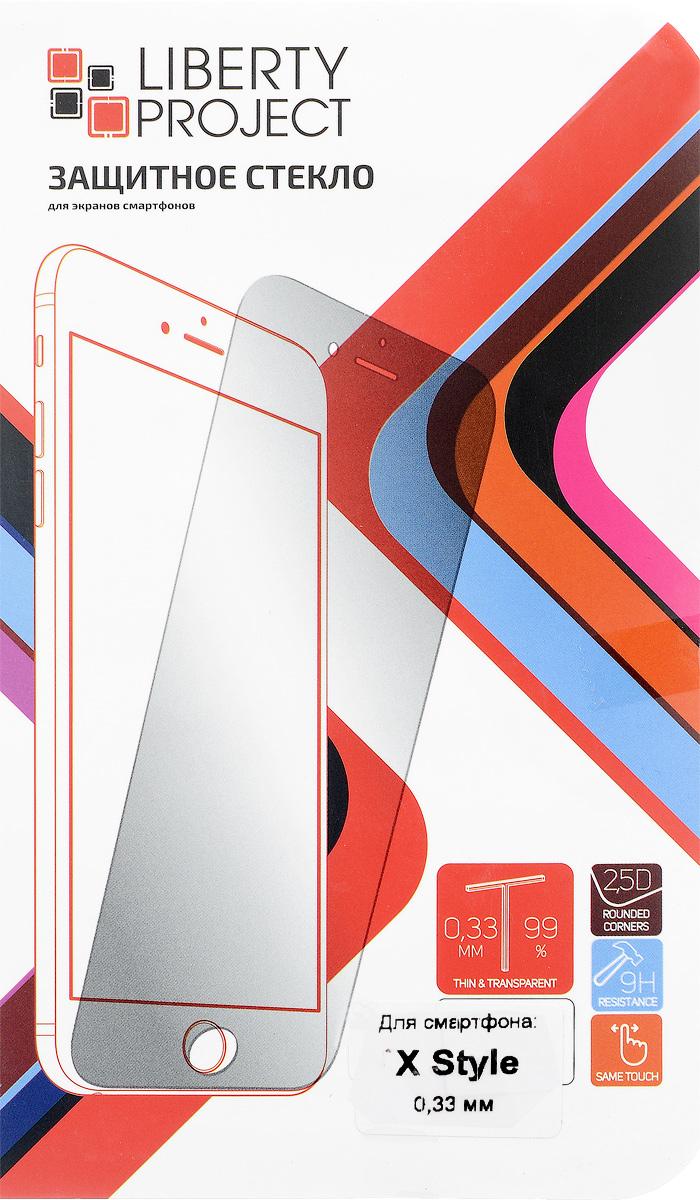 Liberty Project Tempered Glass защитное стекло для Motorola Moto X Style (0,33 мм)0L-00029166Защитное стекло Liberty Project Tempered Glass для Moto X Style обеспечивает надежную защиту сенсорного экрана устройства от большинства механических повреждений и сохраняет первоначальный вид дисплея, его цветопередачу и управляемость. В случае падения стекло амортизирует удар, позволяя сохранить экран целым и избежать дорогостоящего ремонта. Стекло обладает особой структурой, которая держится на экране без клея и сохраняет его чистым после удаления. Силиконовый слой предотвращает разлет осколков при ударе.