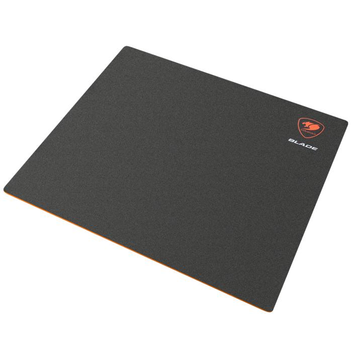 Cougar Blade S, Black коврик для мышиCUBLSЖесткая поверхность коврика Cougar Blade с ультранизким коэффициентом трения обеспечивает непревзойденную точность при скольжении мыши. Нескользящая оранжевая резиновая основа гарантирует высокоточную работу сенсора, позволяя обойтись без лишних рывков, отлично фиксирует коврик на столе. Водонепроницаемая текстурная 3D поверхность обеспечивает максимально точное сцепление с мышью и выдерживает любую пролитую жидкость.