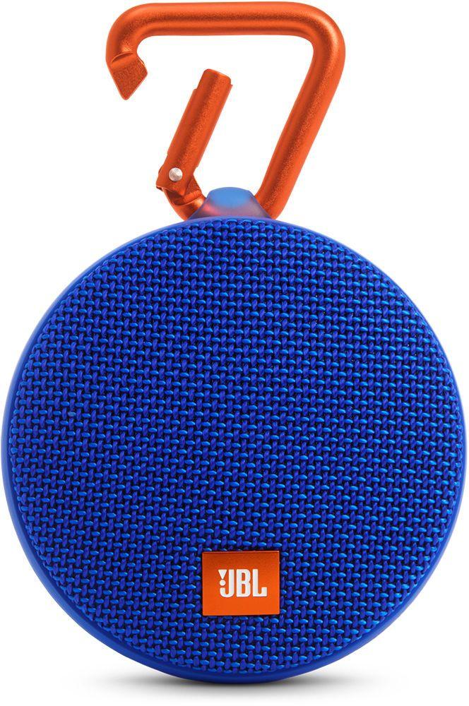 JBL Clip 2, Blue портативная колонкаJBLCLIP2BLUEJBL Clip 2 - ультра-легкая, ультра-прочная и ультра-мощная портативная акустическая система. Полностью водонепроницаемый JBL Clip 2 способен воспроизводить музыку до 8 часов в непрерывном режиме, позволяя брать любимые песни с собой в любое путешествие - по земле или воде. Воспроизводите музыку по беспроводной Bluetooth-связи или подключайте его к смартфону или планшету с помощью аудио-кабеля. Подключайте два Clip 2 по беспроводной связи для усиления звучания. Используйте спикерфон, чтобы звук во время разговора по телефону оставался четким без посторонних шумов и эхо. Покрытие JBL Clip 2 выполнено из прочной водостойкой ткани, а новый карабин позволяет прикрепить динамик на одежду или рюкзак и сразу отправиться в новое приключение.