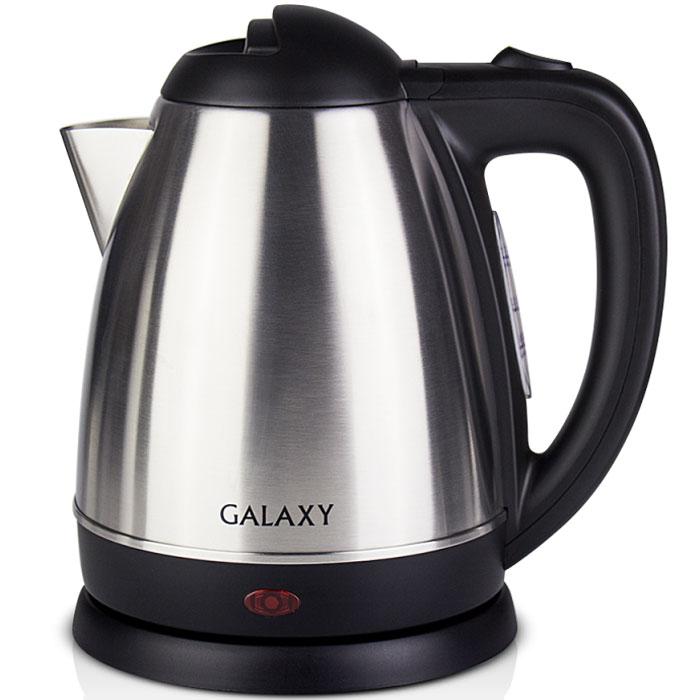 Galaxy GL 0303 электрический чайник4630003362537Galaxy GL 0303 - надежный электрочайник мощностью 2000 Вт в корпусе из нержавеющей стали с элементами из качественного пластика. Металлический чайник Galaxy GL 0303 изготавливается из стали марки 18/10, именуемой медицинской или хирургической. Такое название она получила не случайно, ведь именно из этой марки стали изготавливаются медицинские и хирургические инструменты. Это обусловлено тем, что сталь 18/10 экологически безопасна, имеет высокую плотность и твердость, устойчива к коррозии, а также к воздействию кислот и щелочей, в том числе при высоких температурах. Чайник Galaxy GL 0303 не меняет вкус воды, устойчив к образованию накипи и в течении многих лет сохраняет свои качественные и эстетические свойства. Прибор оснащен скрытым нагревательным элементом и позволяет вскипятить до 1,5 литра воды. Данная модель оборудована светоиндикатором работы, поворотной поверхностью 360° и фильтром для воды. Для обеспечения безопасности при повседневном...