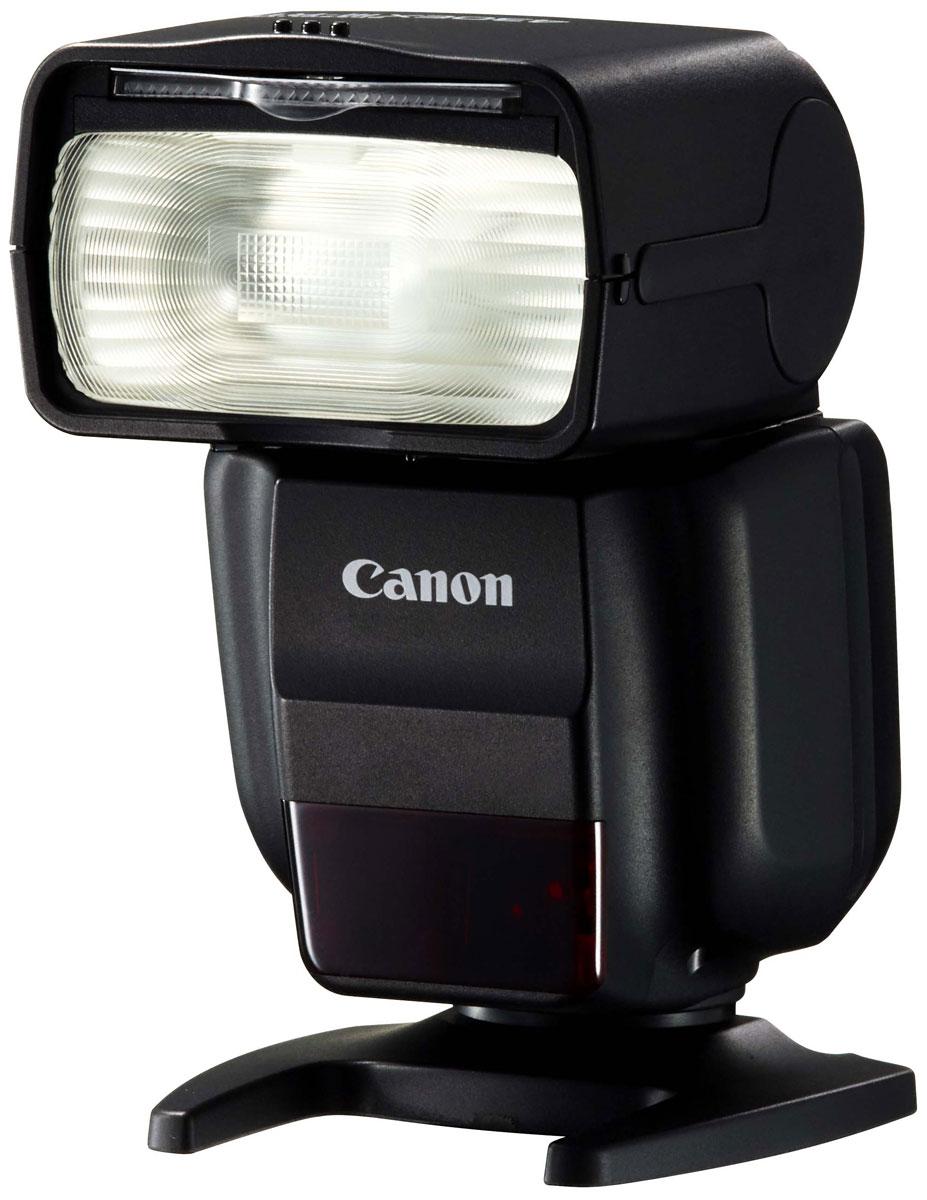 Canon Speedlite 430EX III-RT вспышка0585C003Оцените новые возможности освещения с мощной, удобной и компактной вспышкой Canon Speedlite 430EX III-RT. Радиочастотное управление позволяет легко управлять внешней вспышкой, что откроет для вас новые способы создания креативных фотографий. Ведущее число 43 (м, ISO 100) означает, что вспышка достаточно мощная для использования в различных условиях. Небольшая вспышка Speedlite 430EX III-RT весит всего 295 г и имеет длину всего 113,8 мм — для нее всегда найдется место в вашей сумке. Оснащенная легкодоступными элементами питания типоразмера AA, вспышка перезаряжается всего за 3,2 с после полной разрядки. Элементы управления вспышки Speedlite 430EX III-RT схожи с элементами управления, используемыми на многих камерах EOS. Кнопки доступа используются для управления ключевыми функциями, а колесо управления позволяет быстро выполнить необходимые настройки. Переключатель блокировки предотвратит случайное изменение настроек....