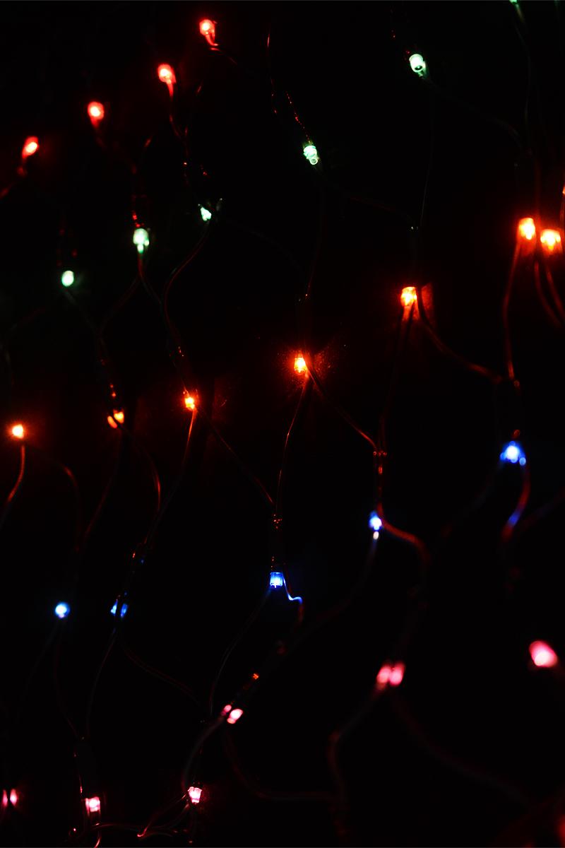 Гирлянда электрическая Winter Wings, 160 ламп, 1,28 х 0,8 мN11223Электрическая гирлянда Winter Wings выполнена в виде сетки, предназначена для украшения интерьеров. Содержит незаменяемые лампы типа рис, повышенного срока службы, имеет яркое свечение и низкое энергопотребление. При неисправности одной лампы другие продолжают гореть. Новогодние украшения несут в себе волшебство и красоту праздника. Они помогут вам украсить дом к предстоящим праздникам и оживить интерьер по вашему вкусу. Создайте в доме атмосферу тепла, веселья и радости, украшая его всей семьей. Напряжение: 220 V. Частота: 50/60 Hz. Мощность: 33,6 Вт. Класс защиты: II. Степень защиты IP: IP20. Рабочие температуры: от +5 до +50°С. Цвет кабеля: зеленый. Общая длина: 1,28 х 0,8 + 2 м. Длина провода до вилки: 2 м. Цвет ламп: цветные. Количество ламп: 160. Количество режимов мигания: 8. Используются лампы: Напряжение: 3 В. Мощность: 0,21 Вт.