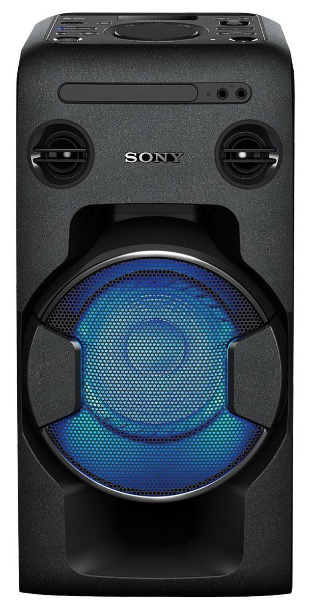 Sony MHC-V11, Black акустическая системаMHCV11.RU1Мощная аудиосистема Sony MHC-V11 с поддержкой Bluetooth, NFC, функцией Mega Bass и DJ-эффектами. Создайте атмосферу праздничной вечеринки у себя дома с компактной мощной аудиосистемой Sony MHC-V11, выполненной в формате моноблока. Оцените ее мощное звучание и добавьте мощности басам благодаря функции Mega Bass. Попробуйте себя в роли диджея и экспериментируйте с аудиоэффектами, приглашайте друзей на караоке и устраивайте конкурсы на лучшее исполнение. Объединяйте системы между собой с функцией Party Chain и добейтесь оглушительного звука, который поможет создать клубное настроение, не выходя из дома. Организовать конкурс караоке с друзьями очень легко. Достаточно просто вставить компакт-диск, подключить USB-устройство или подпевать любимым исполнителям на YouTube с помощью подключения по Bluetooth. Два выхода для микрофона дадут возможность сплотиться с друзьями и создавать прекрасные дуэты. Встроенная функция смягчения голоса позволяет уменьшить...