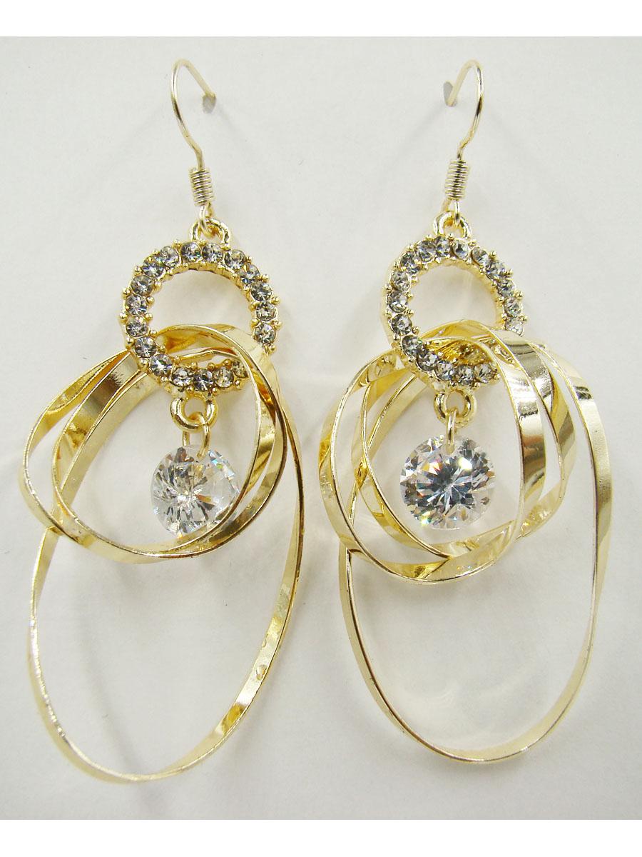 Серьги Taya, цвет: золотистый. T-B-10050-EARR-GOLDT-B-10050-EARR-GOLDОригинальные серьги модного дизайна создают яркий и запоминающийся образ. Размеры: 5*2,5 см