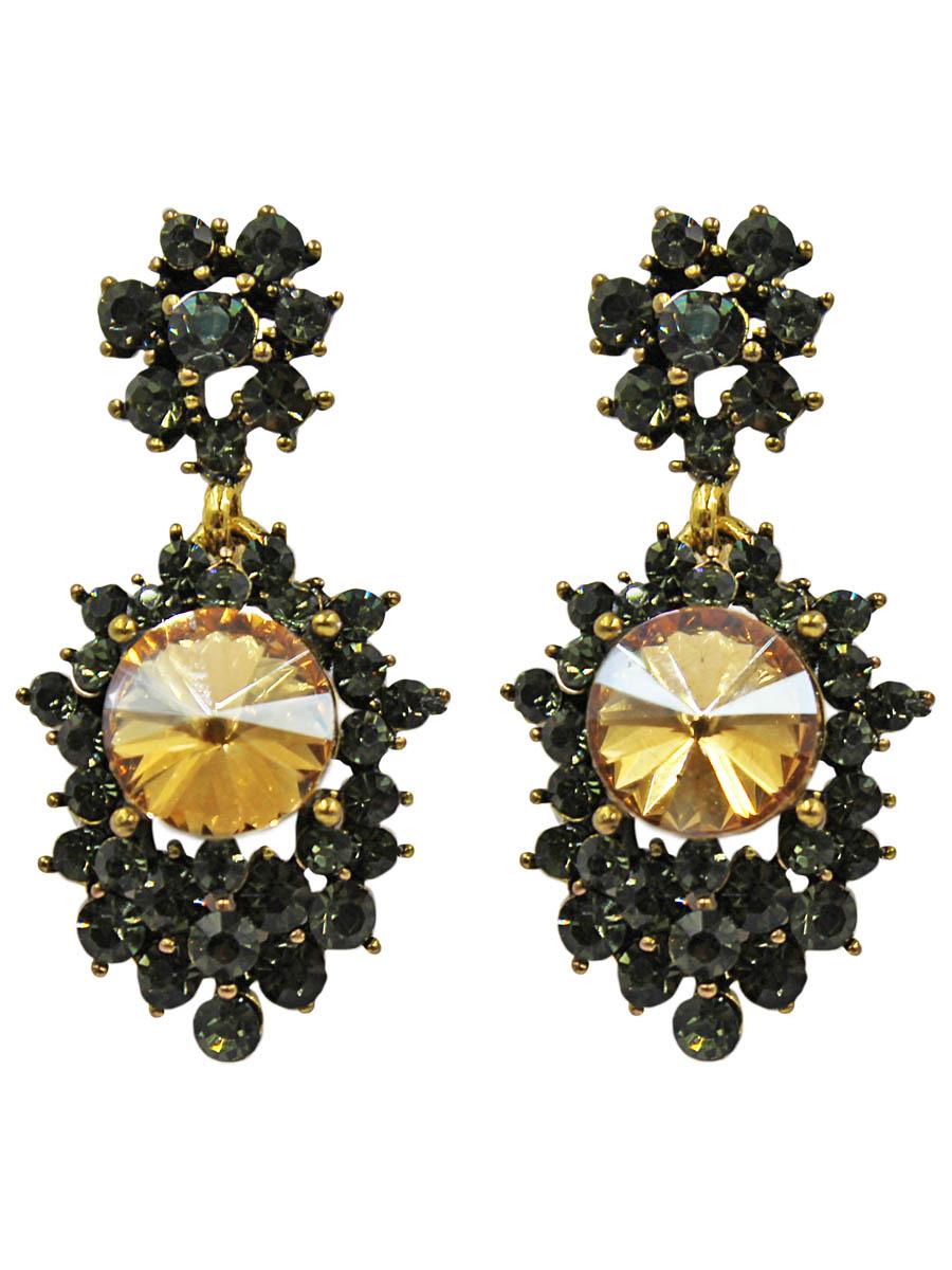 Серьги Taya, цвет: шампань. T-B-11365-EARR-CHAMPAGNET-B-11365-EARR-CHAMPAGNEСерьги-гвоздики с заглушкой металл-пластик. Состоят из двух подвижно соединенных частей. Верхняя -цветок с серо-зелеными стразами, нижняя - крупный кристалл цвета шампанского в окружении таких же страз. Цвет изделия может отличаться от цвета на фотография Размеры: длина серьги 4,0 см, ширина 1,5 см.