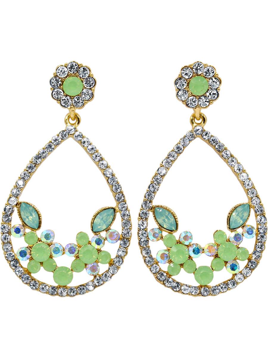 Серьги Taya, цвет: светло-зеленый. T-B-12260-EARR-LT.GREENT-B-12260-EARR-LT.GREENСерьги-гвоздики с заглушкой металл-пластик. Нежное женственное украшение с мятными матовыми камнями. Хотя серьги достаточно крупные, за счет цвета кристаллов и мягких округлых форм они выглядят элегантно и фешенебельно. Размеры: длина серьги 6,0 см, максимальная ширина 3,2 см.