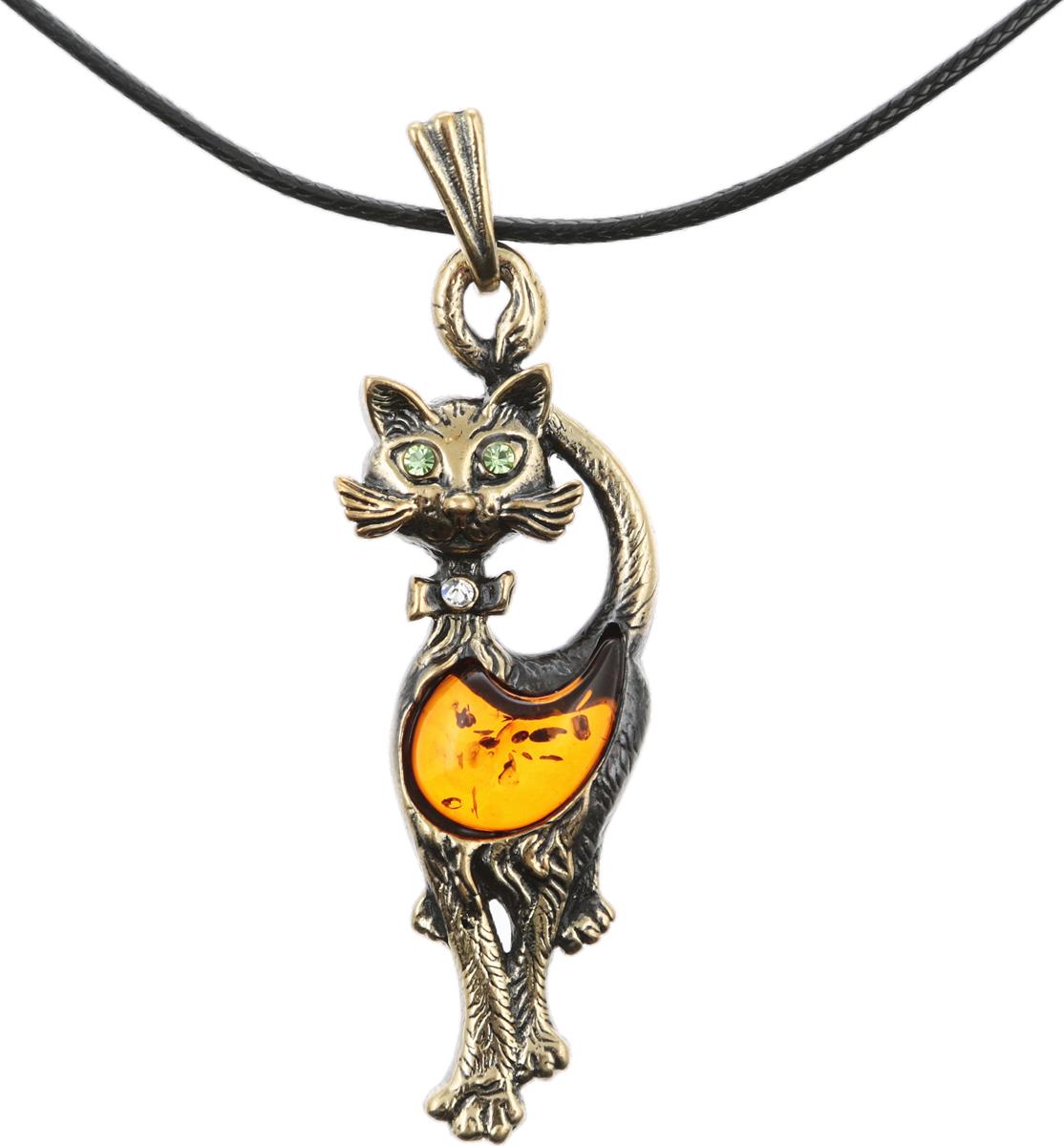 Кулон на шнурке Гламурная кошка. Янтарь, латунь, стразы, шнурок черного цвета. Россия, Калининград12/1017/110Кулон на шнурке Гламурная кошка. Янтарь (прессованная янтарная крошка), латунь, стразы, шнурок черного цвета. Россия, Калининград. Размер: Кулон - 6 х 2 см. Шнурок - полная длина 44-48 см, регулируется за счет застежки-цепочки.