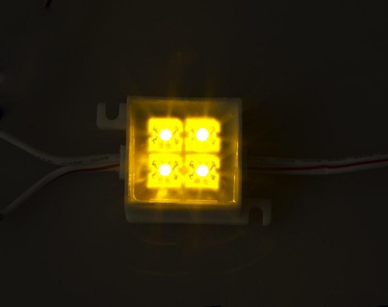 LED модуль, 30мм х 30мм, 4 светоLED, ЖЁЛТЫЙ141-122Светодиодные модули. При помощи светодиодных модулей изготавливаются объемные буквы, различные световые короба, декоративная подсветка интерьера, фасадное освещение. Наметилась тенденция к замене светодиодными модулями неона во внутренней подсветке больших букв. При их использовании отпадает надобность в установке каждого светодиода по отдельности, поэтому время на монтаж существенно сокращается. Это стало причиной отказа от применения локальных светодиодов в пользу модулей. В нашем каталоге представлены все возможные варианты светодиодных модулей, включающие от 2-х до 6 диодов всех основных цветов. Светодиодный модуль может служить свыше 50 000 часов, а энергии он потребляет почти в 10 раз меньше, чем лампы накаливания. Применение таких приборов ведет к заметной экономии электроэнергии. Светодиодный модуль для объемных букв 30*30 мм, 4 светодиода, 12 В, потребление 0,48 Вт, модуль резки 1 шт, максимальный отрезок 50 модулей, угол рассеивания 90 градусов, в коробке 50 модулей. Модул