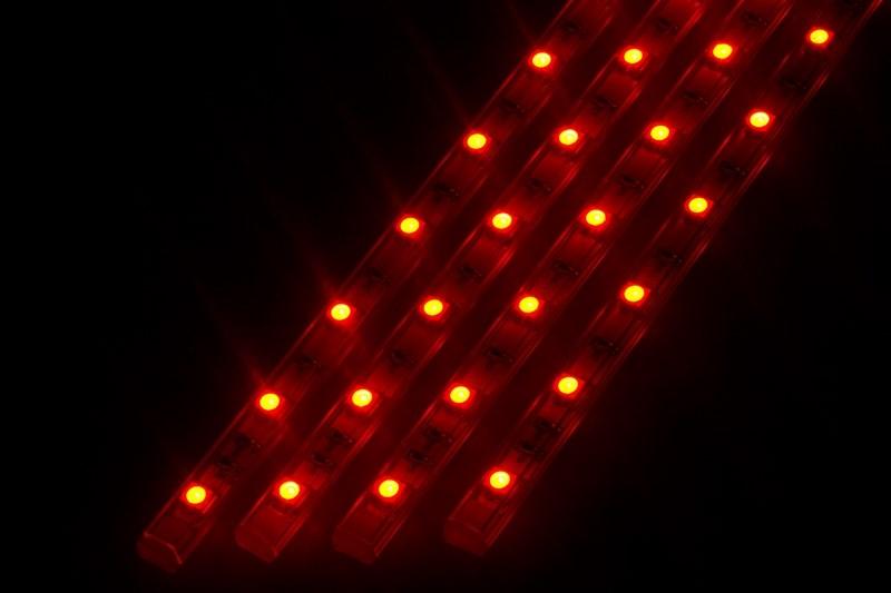 Светодиодный светильник линейный, 4 шт х 25см. Цвет красный145-101Линейный светодиодный светильник - это светодиодная линейка длиной 25 см, заключенная в корпус из прозрачного пластика. Они могут использоваться в подсветке витрин, мебели, а так же в интерьерной подсветке. Простота монтажа поможет без проблем справиться с вопросом освещения необходимых зон. Блок питания понижающий напряжение до 12 В делает устройство безопасным в изпользовании. Использование светодиодных светильников является выгодным решением, так как они обладают высокой яркостью свечения, большим сроком службы и вместе с этем низким энергопотреблением. Цвет свечения - красный. Поставляется по 4 шт. в комплекте с блоком питания.
