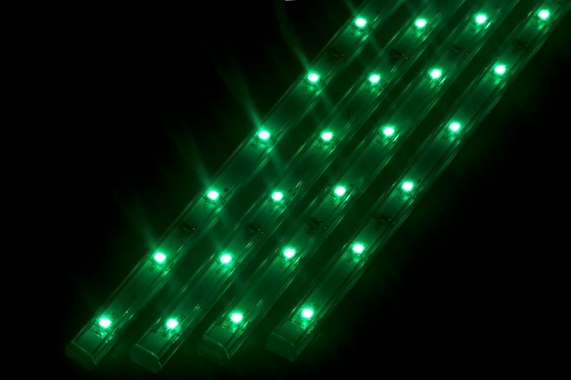 Светодиодный светильник линейный, 4 шт х 25см. Цвет зеленый145-104Линейный светодиодный светильник - это светодиодная линейка длиной 25 см, заключенная в корпус из прозрачного пластика. Они могут использоваться в подсветке витрин, мебели, а так же в интерьерной подсветке. Простота монтажа поможет без проблем справиться с вопросом освещения необходимых зон. Блок питания понижающий напряжение до 12 В делает устройство безопасным в изпользовании. Использование светодиодных светильников является выгодным решением, так как они обладают высокой яркостью свечения, большим сроком службы и вместе с этем низким энергопотреблением. Цвет свечения - зеленый. Поставляется по 4 шт. в комплекте с блоком питания.