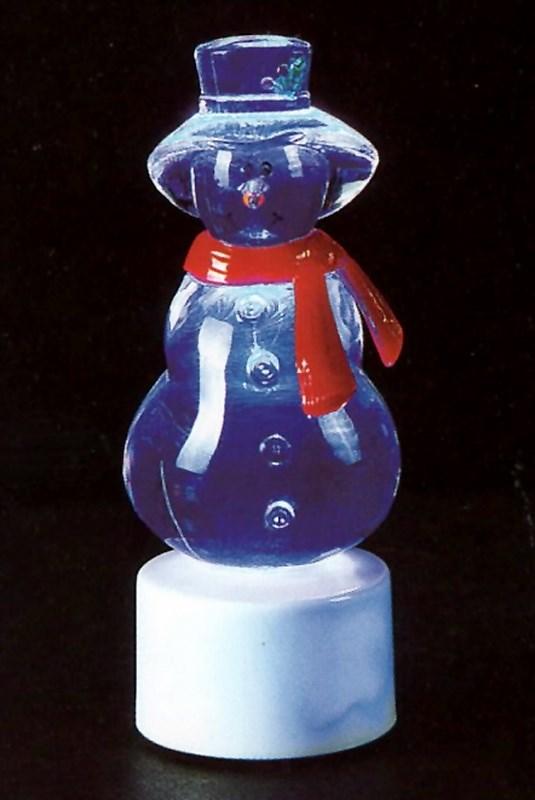 Фигура светодиодная на подставке Снеговик с шарфом, RGB501-046Светодиодная фигура на подставке Снеговик с шарфом станет прекрасным украшением домашнего интерьера, рабочего стола или послужит просто символичным новогодним комплиментом. Фигура работает от батареек LR44 (в комплекте), плавная смена цвета (RGB) создаст приятное праздничное настроение.