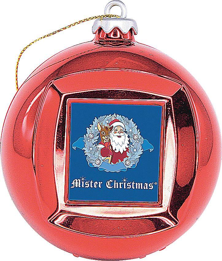 Mister Christmas FRAME BALL/1 цифровая фоторамкаFRAME BALL/1Красная новогодняя цифровая фоторамка-шар Mister Christmas на первый взгляд выглядит как обычный стеклянный шар, такими мы украшаем новогоднюю елку. На самом же деле у этого шара есть USB-порт, с помощью которого в него можно загрузить до 100 визуальных образов в широком цветовом ряде. Так же шар-фоторамка предлагает установить время и дату. Всего 65 мм в диаметре и столько функций! Цифровая фоторамка выполнена из прочных материалов и отличается высоким качеством. Поэтому можно не переживать, что она сломается или разобьется. Этого не случится. Как елочная игрушка, красный шар украсит новогоднюю елку и будет изысканно смотреться среди других елочных украшений. Как цифровая фоторамка, шар покажет потрясающее слайд-шоу из дорогих вашему сердцу фотографий. Так же вы всегда сможете уточнить время и текущую дату. Красная новогодняя цифровая фоторамка-шар Mister Christmas – отличный вариант символического подарка своим друзьям и коллегам по работе. К тому...