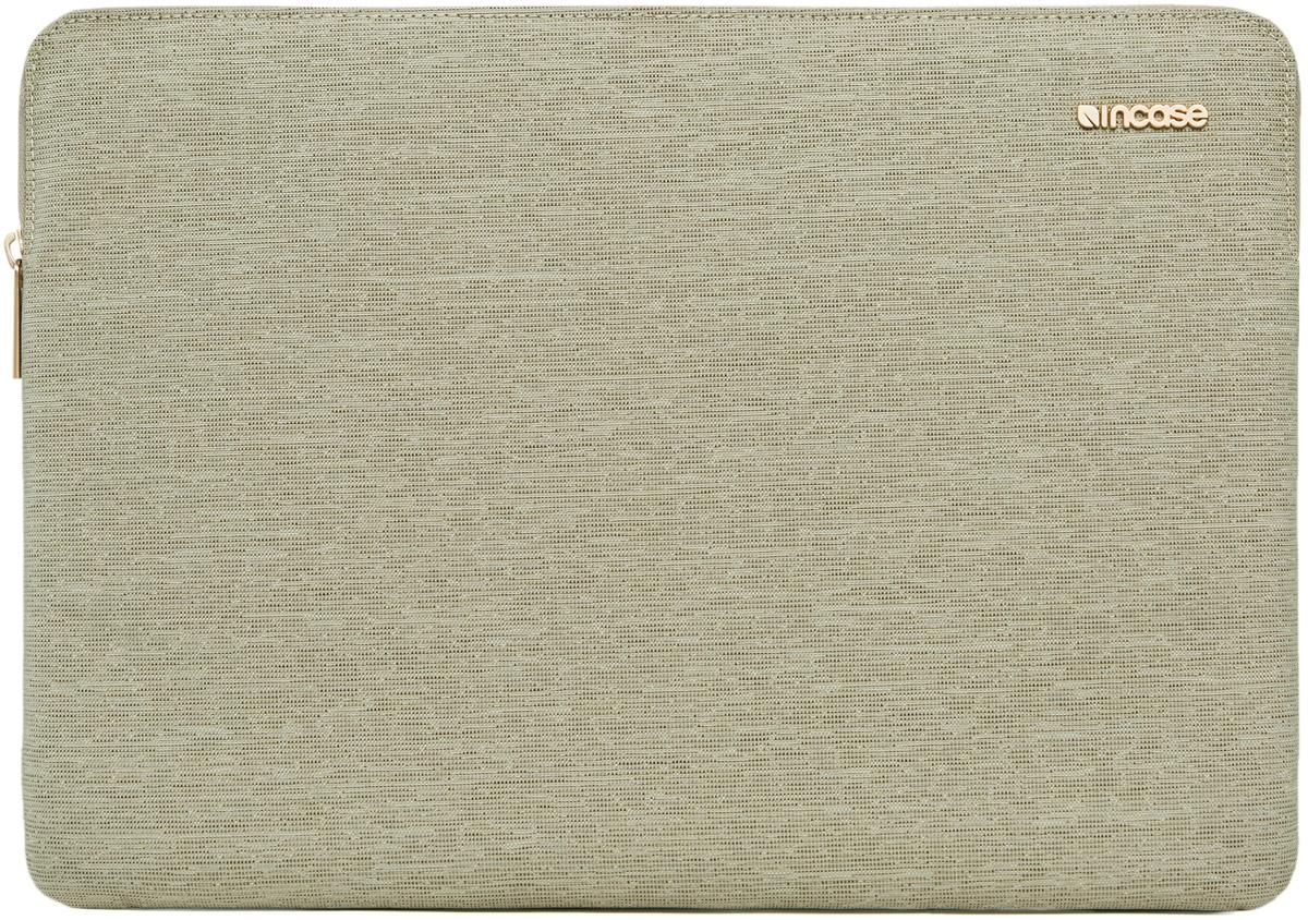 Incase Slim Sleeve чехол для Apple MacBook Air 13, Heather KhakiCL60687Великолепный дизайн чехла Incase Slim Sleeve гармонично дополнит тонкий корпус MacBook, а подкладка из искусственного меха защитит его от царапин и ударов. Чехол Slim Sleeve изготовлен из ткани Ecoya, при производстве которой тратится меньше воды и выбрасывается меньше углекислого газа.