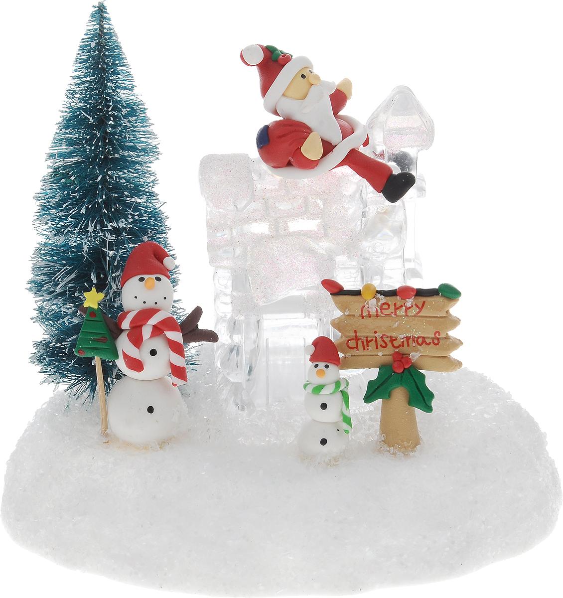 Светильник новогодний Win Max Ледяной домик, 15 х 11 х 18 см119894Декоративный мини-светильник Win Max Ледяной домик, изготовленный из пластика и акрила и оснащенный одной LED лампами. Он прекрасно оформит интерьер вашего дома или офиса в преддверии Нового года. Оригинальный дизайн и красочное исполнение создадут праздничное настроение. Кроме того, это отличный вариант подарка для ваших близких и друзей. Светильник работает от 2 батареек типа AАA (не входят в комплект).