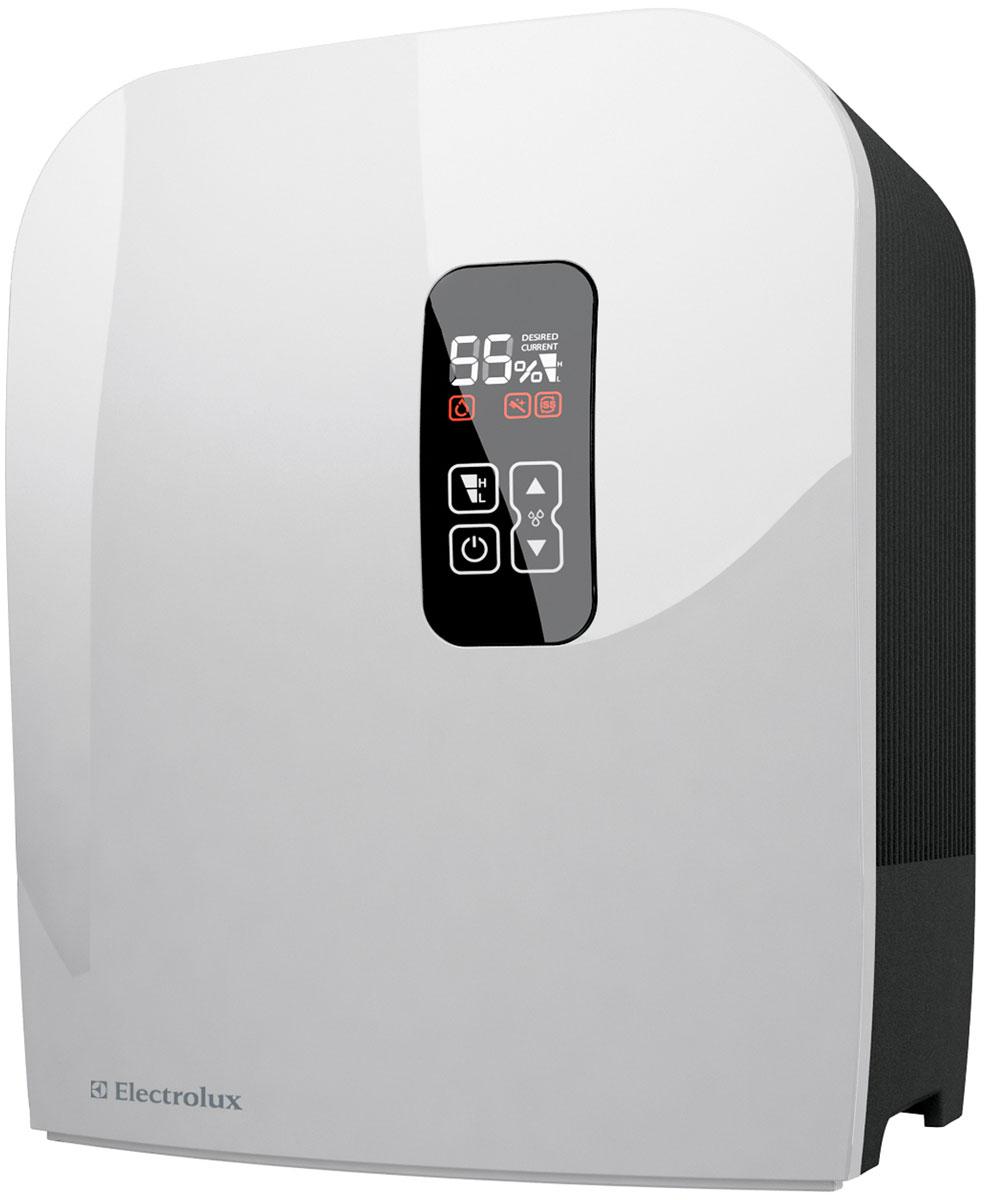 Electrolux EHAW-7515D, White мойка воздухаНС-0081794Мойка воздуха Electrolux EHAW-7515D - современный функциональный прибор в компактном корпусе для очистки и увлажнения воздуха в помещениях. Данная модель чрезвычайно удобна в использовании. Уход за ней предельно прост и занимает не более 5 минут в неделю. Достаточно сполоснуть диски под душем и установить на место. Благодаря такой конструкции мойка воздуха Electrolux не нуждается в сменных фильтрах и дополнительных аксессуарах. Для спокойного и комфортного сна в приборе предусмотрен специальный ночной режим SMART, который позволяет отключать светящийся в темноте дисплей до первого прикосновения. Наличие функции блокировки кнопок позволяет предупредить ошибочные нажатия на кнопки управления и обезопасить прибор от детей и домашних животных.