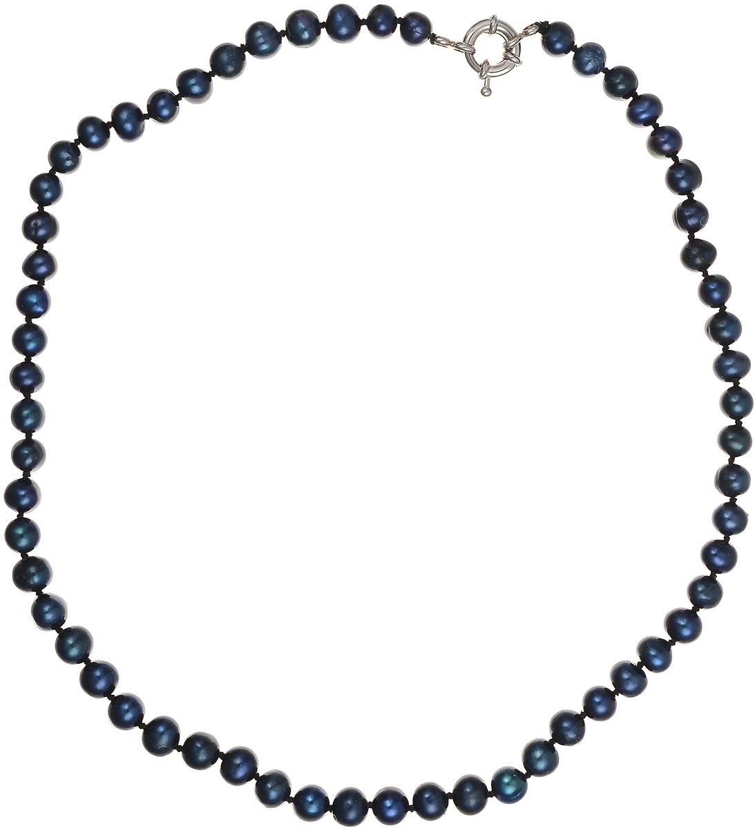 Бусы Art-Silver, цвет: синий, длина 45 см. КЖ7-8А+45-537КЖ7-8А+45-537Бусы Art-Silver подчеркнут изящество и непревзойденный вкус своей обладательницы. Они выполнены из бижутерного сплава и культивированного жемчуга диаметром 7 мм. Изделие оснащено удобным замком-карабином. Культивированный жемчуг — это практичный аналог природного жемчуга. Бусинки из прессованных раковин помещаются внутрь устрицы и возвращаются в воду. Когда бусины покрываются перламутром, их извлекают из моллюска. Форма жемчужины получается идеально ровной с приятным матовым блеском.