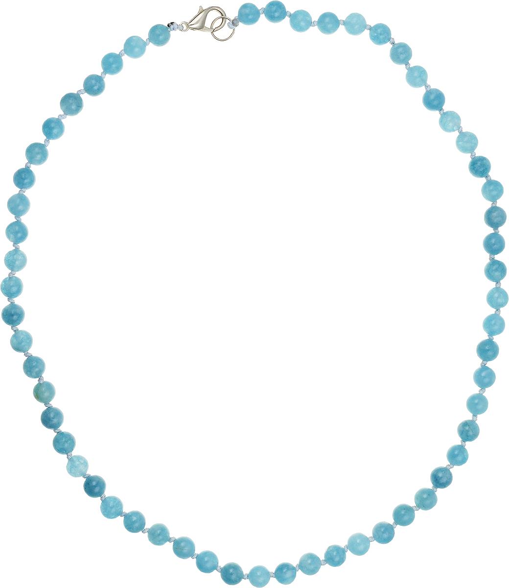 Бусы Art-Silver, цвет: голубой, длина 45 см. АК6-45-211АК6-45-211Бусы Art-Silver подчеркнут изящество и непревзойденный вкус своей обладательницы. Они выполнены из бижутерного сплава и аквамарина диаметром 6 мм. Изделие оснащено удобным замком-карабином. Аквамарин - камень необыкновенной красоты, имеющий нежно-голубую окраску. Считается, что украшения из аквамарина способны менять свой цвет в зависимости от капризов погоды и настроения своего владельца. Уже несколько столетий минерал является талисманом моряков, благодаря своим способностям усмирять разбушевавшуюся стихию. Магические свойства камня проявляются не только на природных явлениях. Ему под силу успокаивать бурю человеческих эмоций. Аквамарин помогает обрести друзей и избавиться от одиночества. Поскольку самоцвет считается «водным» камнем, то его также рекомендуют для снятия отеков, налаживания водно-солевого баланса в организме.