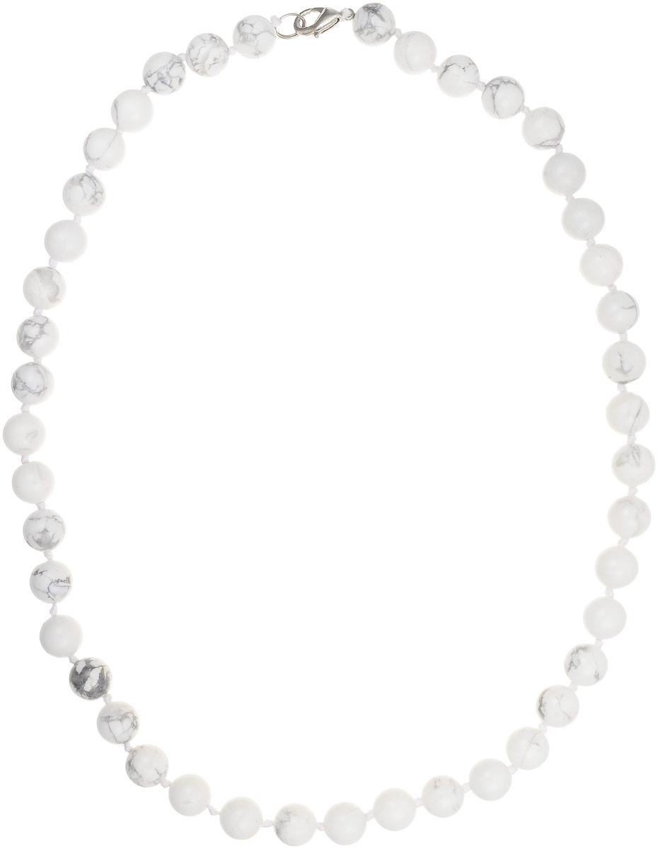 Бусы Art-Silver, цвет: белый, серый, длина 50 см. КХс10-50-366КХс10-50-366Бусы Art-Silver изготовлены из кахолонга. Изделие оформлено бусинами и застегивается на замок-карабин из бижутерного сплава.