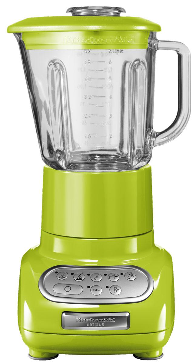 KitchenAid 5KSB5553EGA, Green блендер5KSB5553EGAБлендер KitchenAid Artisan 5KSB5553EGA позволяет не только приготовить пюре и перетереть ингредиенты, но также перемешивать, резать и взбивать разнообразные продукты или измельчать лед для коктейлей и других напитков. Это идеальный кухонный прибор, который пригодится вам в течение всего дня. Стеклянный кувшин может выдерживать большой диапазон температур, что позволяет обрабатывать как холодные, так и горячие ингредиенты. Он также устойчив к появлению царапин и пятен и не впитывает запахи. Более того, размер кувшина позволяет обработать за один раз большой объем продуктов - до 700 мл. Скорость легко переключается шестью кнопками. Кнопки расположены на сенсорной панели управления в порядке увеличения скорости, а сама панель легко моется, поскольку на ней отсутствуют какие-либо щели или неровности. Структуру перемешиваемых ингредиентов и степень их измельчения можно регулировать с помощью кнопки пульсации. Кнопку пульсации можно использовать...