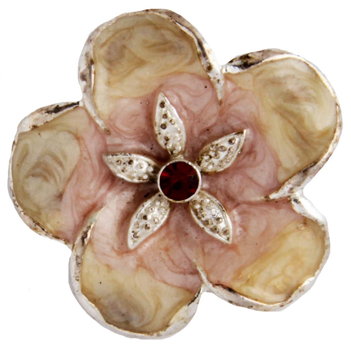 Брошь Нежный цветок. Бижутерный сплав, эмаль, австрийские кристаллы. США, конец XX векаОС29220Брошь Нежный цветок. Бижутерный сплав, эмаль, австрийские кристаллы. США, конец ХХ века. Размер 3 х 3 см. Сохранность хорошая. Предмет не был в использовании. Филигранная брошь выполнена из бижутерного сплава серебряного тона. Очаровательная, притягивающая взгляды брошь. Снабжена удобной и надежной застежкой. Брошь - отличное дополнение вашего наряда.