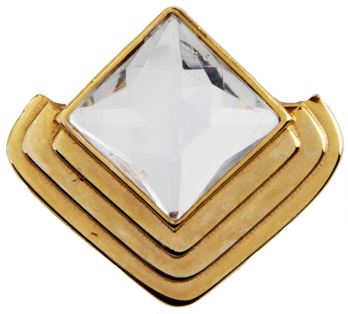 Брошь Элегантность. Бижутерный сплав, австрийские кристаллы. США, конец XX векаОС29227Брошь Элегантность. Бижутерный сплав, австрийские кристаллы. США, конец ХХ века. Размер 5,5 х 5 см. Сохранность хорошая. Предмет не был в использовании. Филигранная брошь выполнена из бижутерного сплава золотого тона. Очаровательная, притягивающая взгляды брошь. Снабжена удобной и надежной застежкой. Брошь - отличное дополнение вашего наряда.