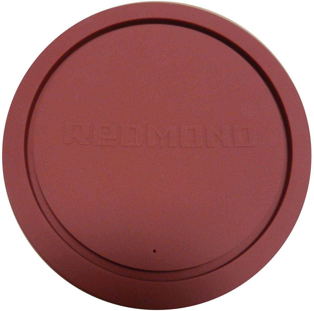 Redmond RAM-PLU1-E крышка для чаши мультиваркиRAM-PLU1-EУниверсальная силиконовая крышка Redmond RAM-PLU1-E изготовлена из высококачественного пищевого силикона — экологичного и долговечного материала. Прочная и эластичная, она отлично подходит для чаш мультиварок Redmond емкостью от 3 до 6 литров, а также для любых кастрюль или другой кухонной посуды соответствующего диаметра. Вы можете смело использовать крышку RAM-PLU1-E для приготовления блюд в микроволновой печи, для хранения продуктов в холодильнике или морозильной камере. Кроме того, силиконовая крышка отлично послужит вам в качестве подставки для горячей посуды. Ухаживать за силиконовой крышкой необычайно просто: она легко моется как под краном, так и в посудомоечной машине. Диаметр чаши: без ободка - 20 см, с ободком - 22 см.