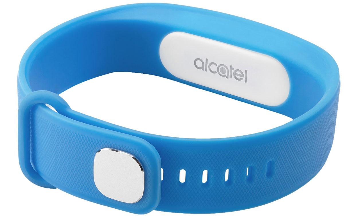 Alcatel MB10, Blue White фитнес-браслетALC-MB10-3BALRU1-1Alcatel Move Band - первый фитнес-браслет от компании Alcatel, созданный для тех, кто следит за своим физическим состоянием. Устройство фиксирует не только количество пройденных шагов, сожженных калорий, но и сообщает о качестве вашего сна. У гаджета нет экрана - он способен передать вибрирующий сигнал, который подаст уведомлением на смартфон. Выполненный полностью из силиконового материала, браслет адаптирован к внешней среде - все элементы питания глубоко спрятаны, что удобно для ежедневного использования. Теперь, отправляясь в душ или в бассейн, не обязательно снимать браслет - он защищен по классу IP67, что дает ему устойчивость к воздействию влаги при погружении на глубину до 1 метра. Емкости встроенной батареи хватает на неделю непрерывной работы устройства, а ее подзарядка занимает не более 2 часов.