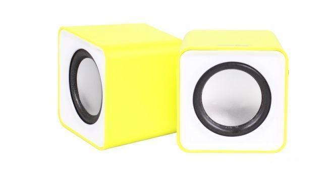 SmartBuy Mini SBA-2820, Yellow акустическая системаSBA-2820Настольная акустическая стереосистема SmartBuy MINI предназначена для подключения к компьютеру, ноутбуку и к другим электронным устройствам для воспроизведения звука в стереоформате (2-х канальный звук). Можно подключить к любым источникам звука, имеющим стандартный Audio-разъем Jack 3.5 мм. Питание колонок SmartBuy MINI осуществляются от USB-порта компьютера, ноутбука, либо от любого другого устройства, имеющего USB-разъем. В качестве источника питания для колонок можно также использовать обычное сетевое или автомобильное зарядное устройство для телефонов/планшетов, оснащенное USB-гнездом