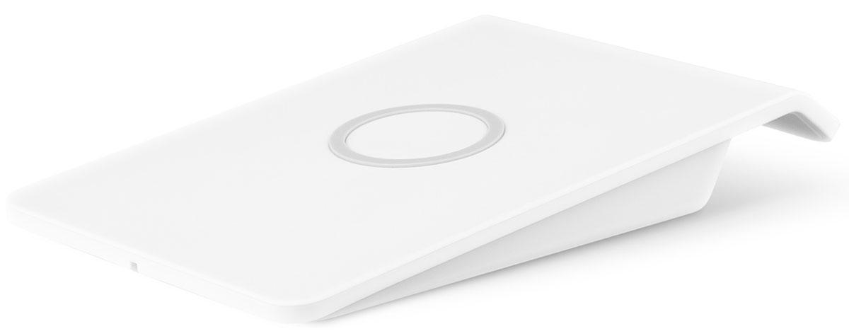 Rombica Neo Q3 беспроводное зарядное устройствоNQ-00030Беспроводное зарядное устройство Rombica Neo Q3 полностью соответствует спецификации Qi, что гарантирует вам стабильную и безопасную зарядку смартфонов, поддерживающих эту технологию (Qi). Оригинальное и стильное устройство выполнено в корпусе из качественного пластика с резиновой вставкой для лучшего удержания устройства. Рабочая дистанция беспроводной зарядки до 5 мм. Дополнительный USB выход позволяет одновременно заряжать два устройства (USB+Qi).